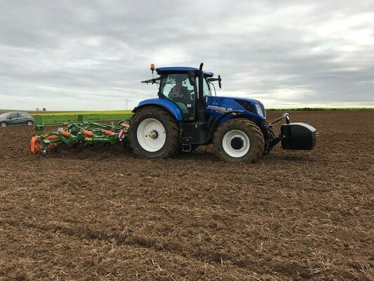 DEMONSTRATION NEW HOLLAND et AMAZONE A SAINT-ERME